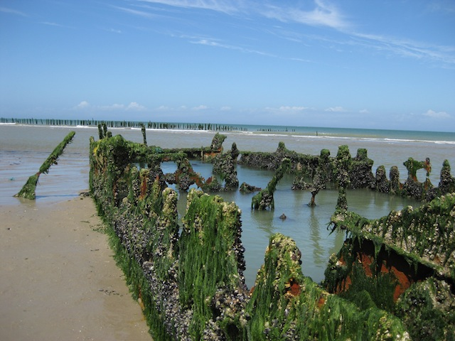 Day 2: A shipwreck on the beach at Wissant. The tide was very quickly coming in so I had to take this quickly :)