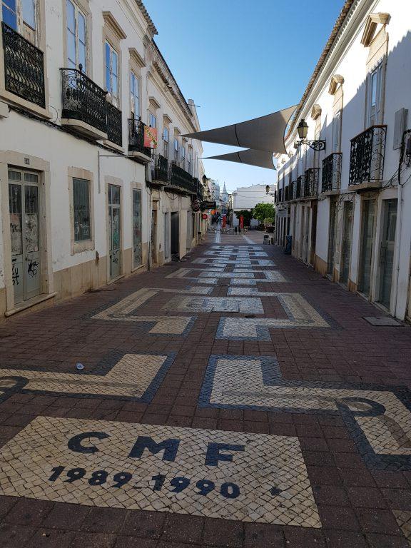 Walking around Faro