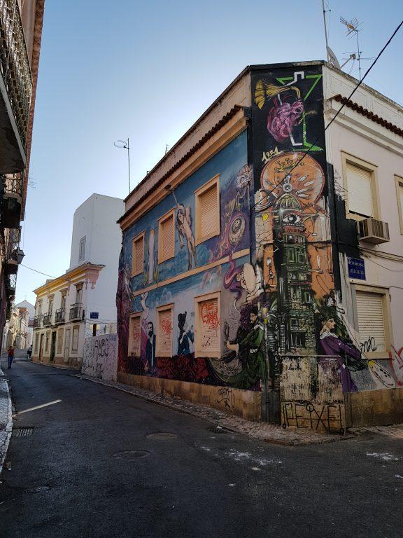 Mural graffiti in Faro